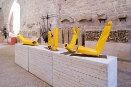 Piccoli flussi (2012-13), veduta della mostra Flussi:il rosso, il giallo, palazzo dei Consoli, Gubbio, 2014