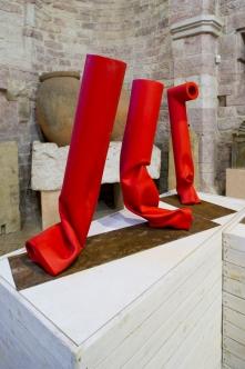 Piccoli flussi (2013), veduta della mostra Flussi:il rosso, il giallo, palazzo dei Consoli, Gubbio, 2014